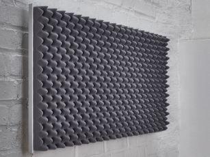 Premium geluidsabsorber met noppenprofiel